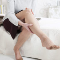 lady having leg pain